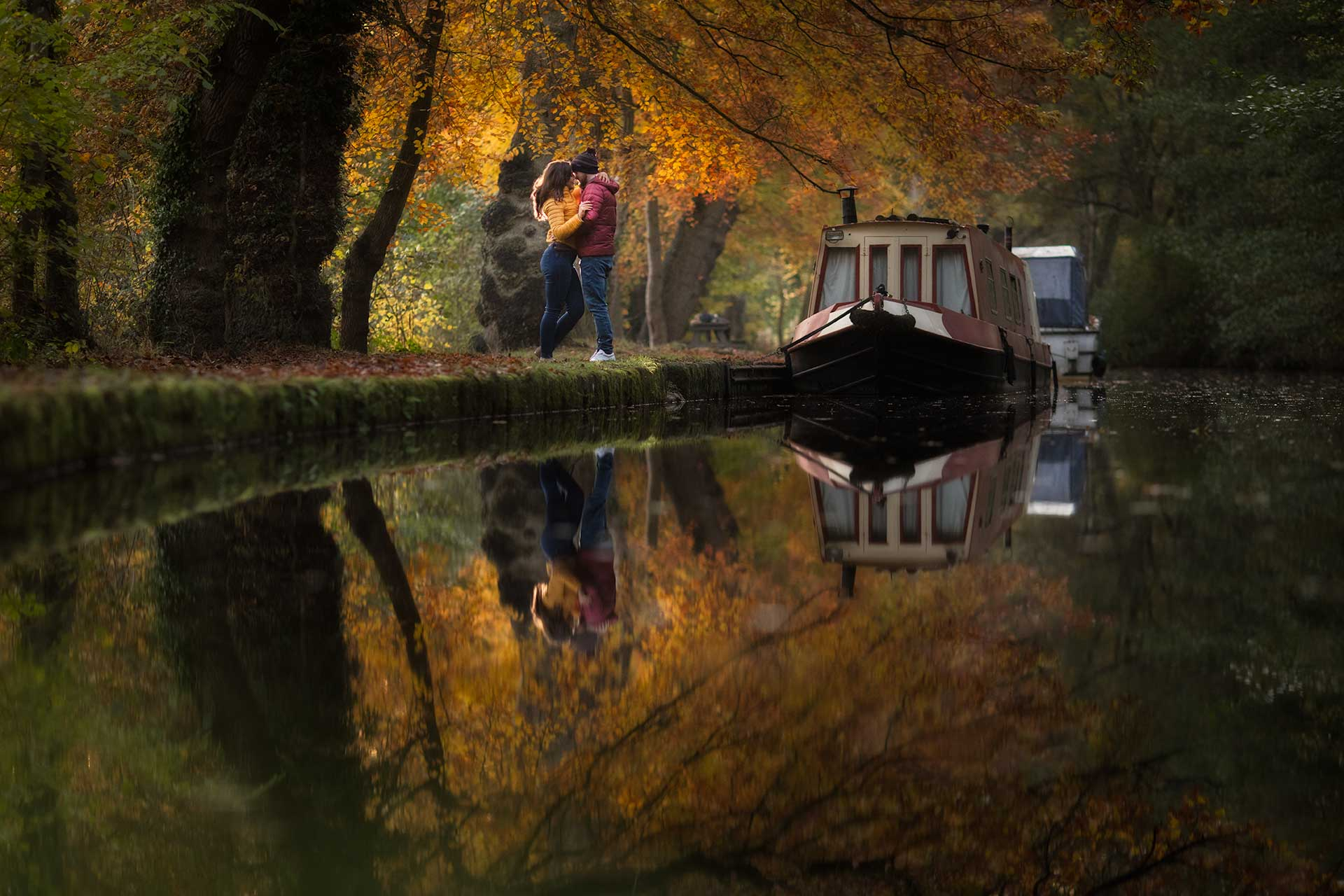 Alex and Allie by the canal in gorgeous Autumn colours at The Mere at Ellesmere with photographer pbartworks