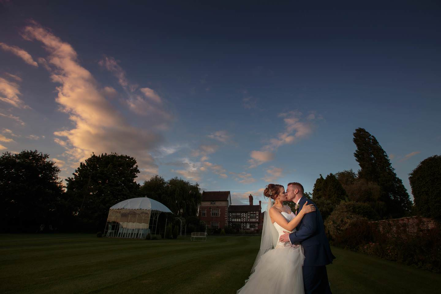 amazing shropshire wedding photography captures bride and groom at the albright hussey