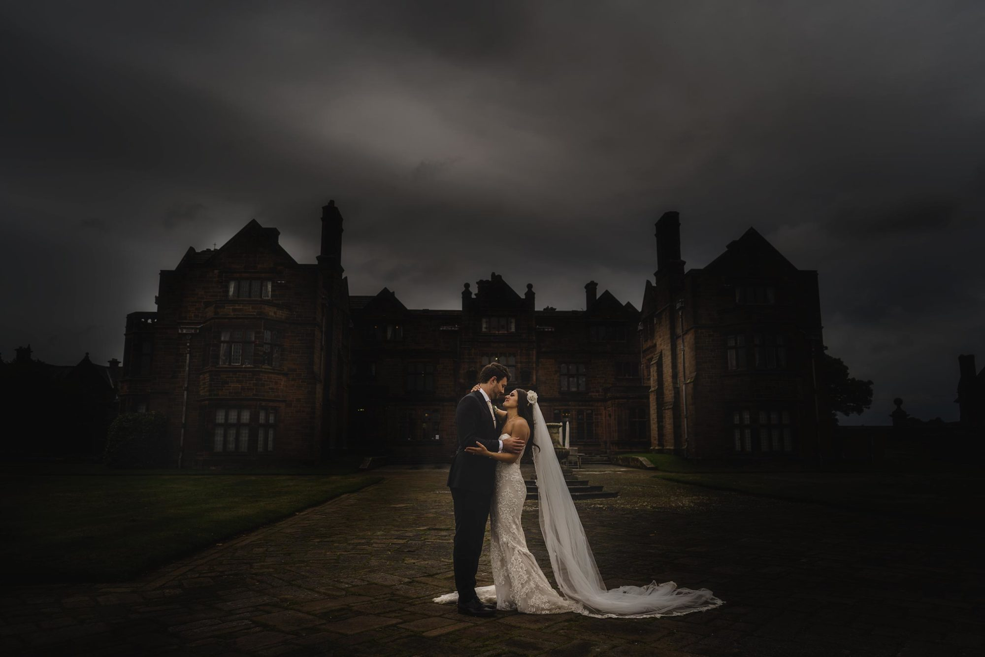 shropshire wedding photographer captures images of bride and groom at Thornton Manor